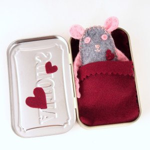 Mouse in an Altoid Tin Bed